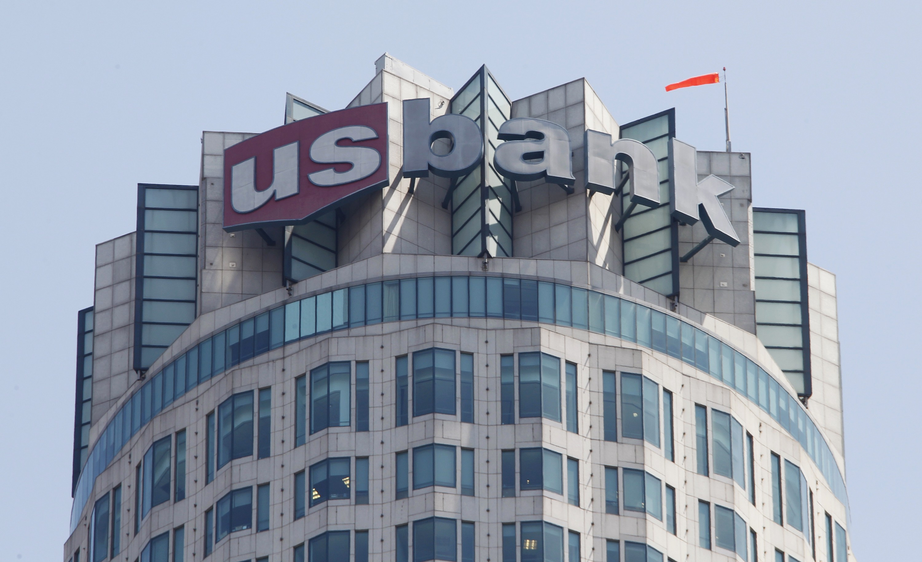 The Logo Of Us Bank Is Seen Atop The Us Bank Tower In